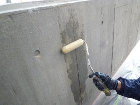 駐車場内壁シーラー塗布