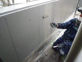 駐車場内壁上塗り2回目